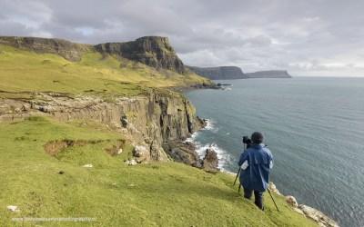 Jeanette aan het werk bij Neist Point, Isle of Skye, Schotland, 17-10-2016