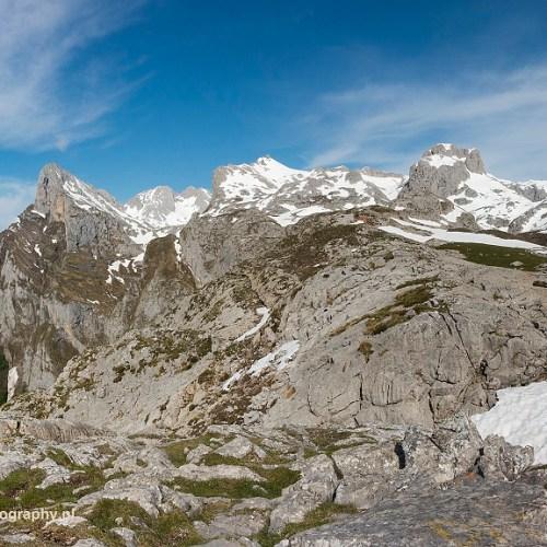 Uitzicht op Tornos de Liordes, Picos de Europa, Spanje, 24-5-2018