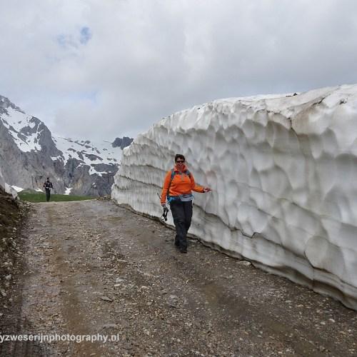 Foto Jan Bonnen. Er lag nog een beetje sneeuw, Picos de Europa, Spanje, 24-5-2018