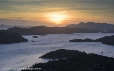 Zonsondergang vanaf Mt. Tapyas, Coron, Filipijnen, 29-11-2017