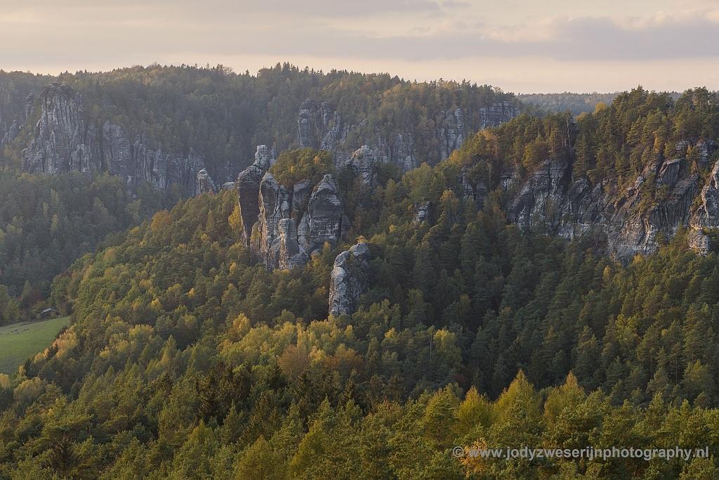 Het Basteigebied vanaf Gamrig, Sächsische Schweiz, Duitsland, 21-10-2018