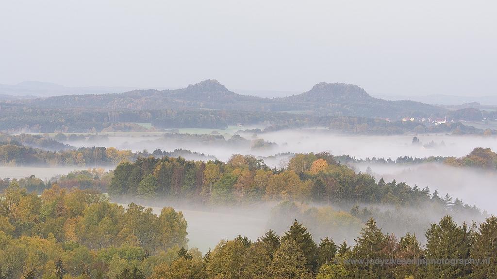 Uitzicht vanaf de Adamsberg, Sächsische Schweiz, Duitsland, 23-10-2018