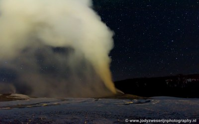 Old Faithful by night, Yellowstone, USA, 29-1-2019