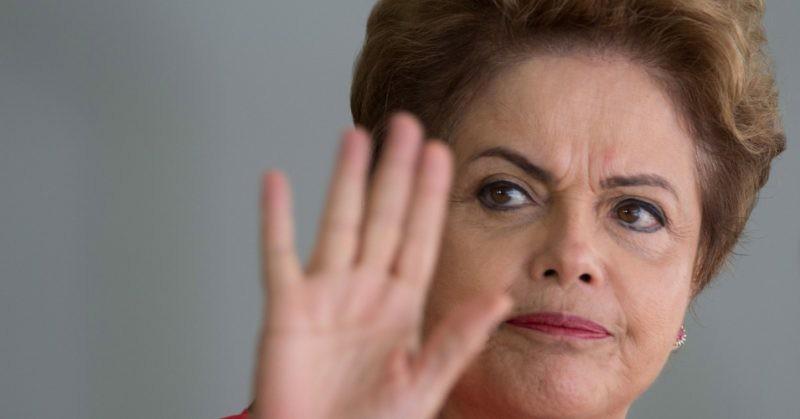 Golpe de Estado en Brasil, con trucos legales destituyen a Rousseff