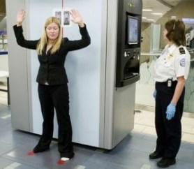 Revisión exhaustiva en aeropuertos