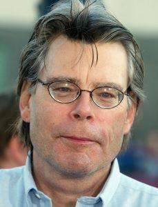 El escritor Stephen King sugiere a los escritores cómo redactar