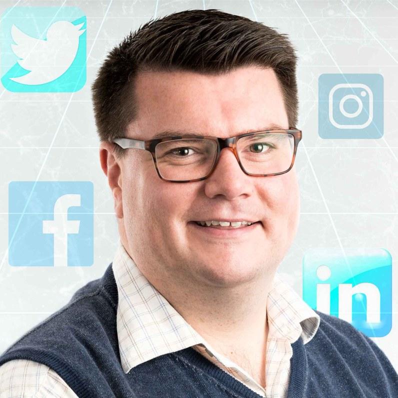 Headshots & Business Portrait Photography - Social Media Expert