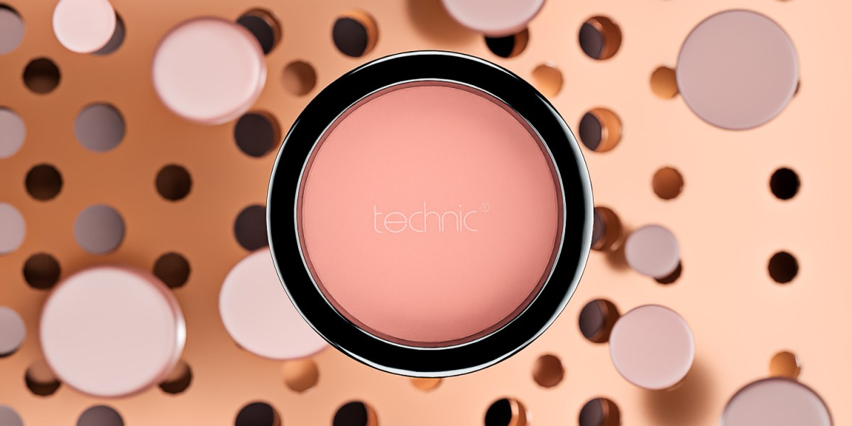 Technic face powder CGI sample for makeup advertising