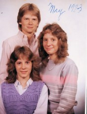 1983-16-years-old-and-proud-of-sisters