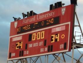 picture-yalebeatsharvard: Yale defeats Harvard 34-24