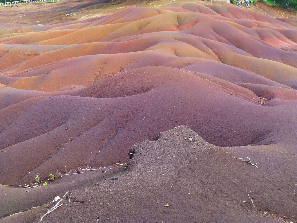 20131222 129 Black_River_Gorges_NP Coloured_Earths