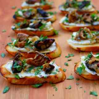 mushroom crostini with fromage fort