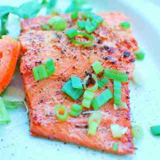 Honey Sesame Glazed Salmon | joeshealthymeals.com