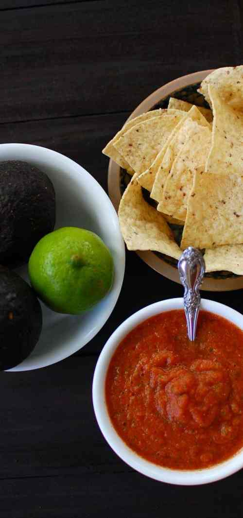 Homemade Spicy Salsa Roja - so easy and tasty. You will love this recipe! | joeshealthymeals.com