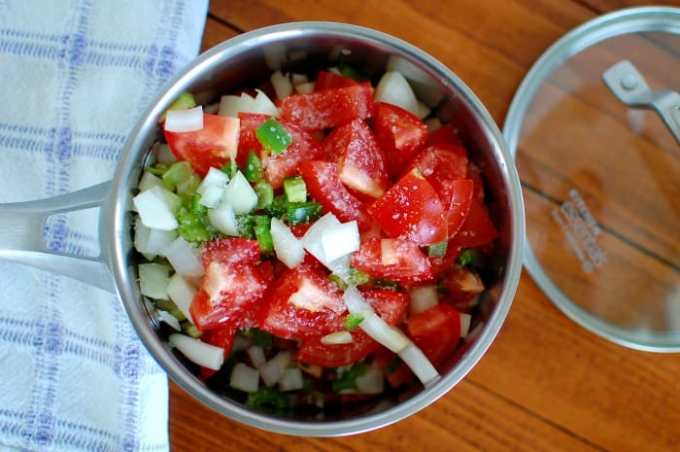 Homemade Salsa Roja - easy recipe. | joeshealthymeals.com