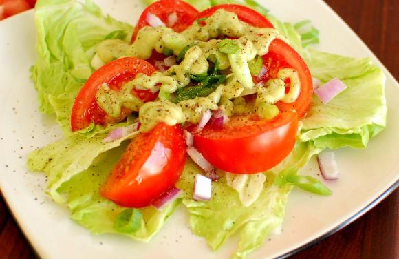 Avocado salad dressing. | joeshealthymeals.com
