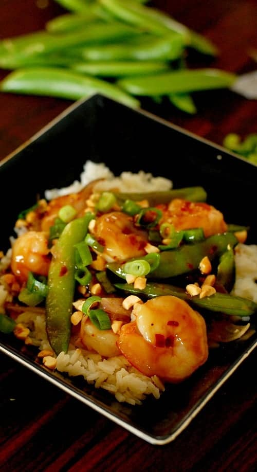 Extra spicy shrimp stir fry. This only takes minutes to make and it is so good. Your mouth deserves this! | joeshealthymeals.com