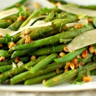 Green Beans with Pine Nuts and Parmesan