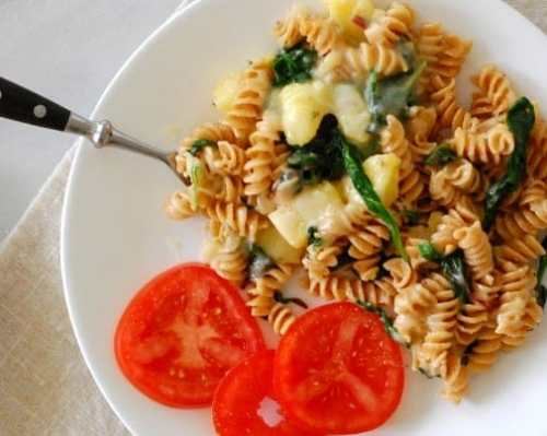 Pasta with potatoes. Easy and satisfying vegetarian dish.   joeshealthymeals.com