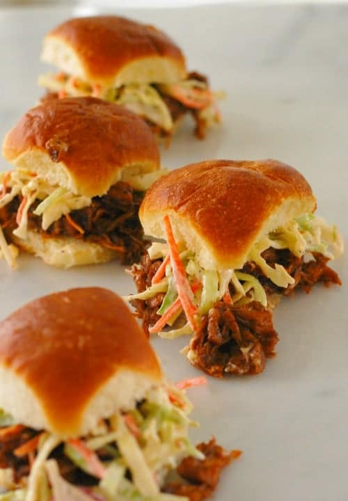 BBQ Jackfruit sliders. Just like pulled BBQ pork,except it is vegetarian. Delicious stuff! | joeshealthymeals.com