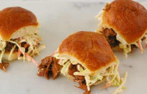 Barbecued Jackfruit sliders. You would swear that you are eating pulled pork, but this is vegetarian jackfruit sliders. | joeshealthymeals.com