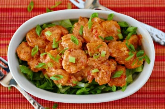 Bang bang shrimp. Copycat recipe of the crunchy, spicy little shrimp served at Bonefish Grill. | joeshealthymeals.com
