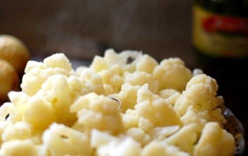 Steamed cauliflower | joeshealthymeals.com