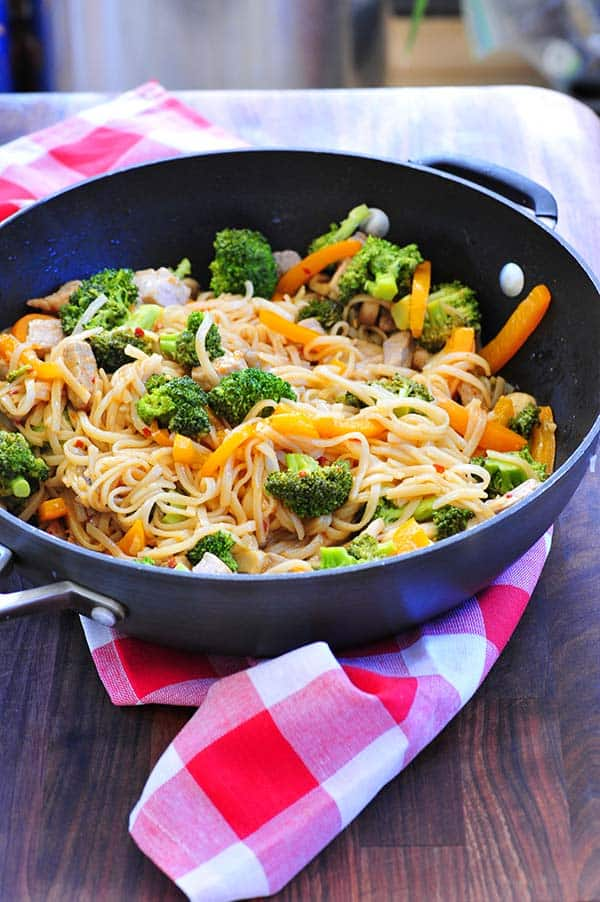 Stir fried pork with rice noodles. This is a wonderful and fast recipe to make. The spices are fantastic.   joeshealthymeals.com