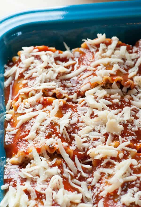 Italian sausage lasagna roll ups. Wonderfully delicious!   joeshealthymeals.com