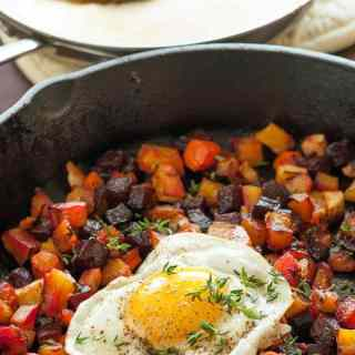 Healthy roasted fall vegetables. Make lots because you'll want leftovers...like roasted vegetable hash with fried eggs! | joeshealthymeals.com