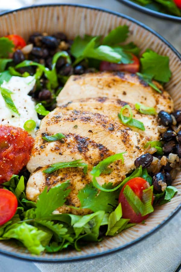 Lo-cal Chipotle burrito bowl. This is a low calorie recipe for a Chipotle style burrito bowl using lower calorie ingredients but getting a great tasting burrito bowl.   joeshealthymeals.com