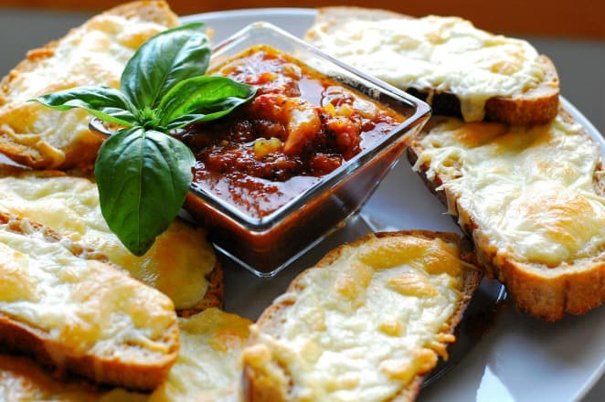 Cheesy Italian dunkers. Top 8 most popular appetizers. | joeshealthymeals.com