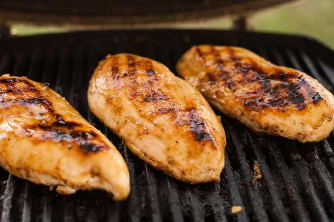 Honey mustard glazed chicken breasts. Makes for a yummy meal. | joeshealthymeals.com