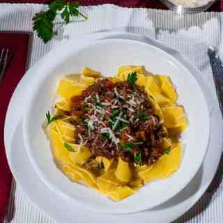 Pappardelle pasta with beef ragout | joeshealthymeals.com