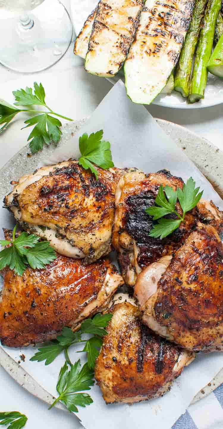 Grilled chicken prepared with a simple chicken brine recipe The brine creates great flavors into the chicken. #chickenbrine #chicken #grilledchicken . | joeshealthymeals.com