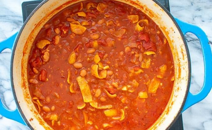 vegetarian chili in a dutch oven