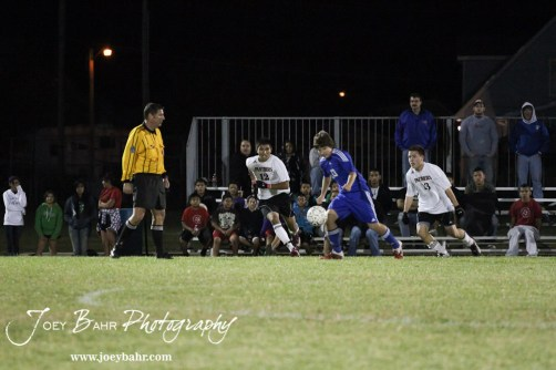GB_vs_Andover_(Boys_Soccer)_10-25-11_1148