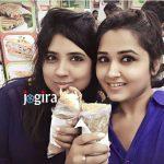 kajal raghwani with sister