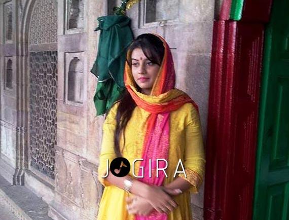 Bhojpuri Actress Akshra Singh