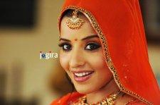 bhojpuri actress monalisa-closeup