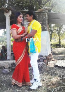 bhojpuri actress poonam dubey and satendra singh