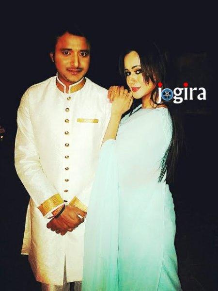 bhojpuri actor amrish singh with gunjan pant