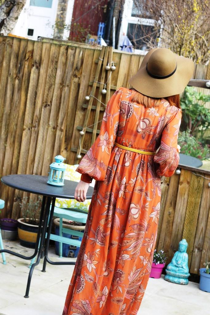 Fashion Detective - Johanna Payton - march 2015 - floppy hat back