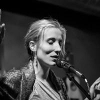 Johanna singing