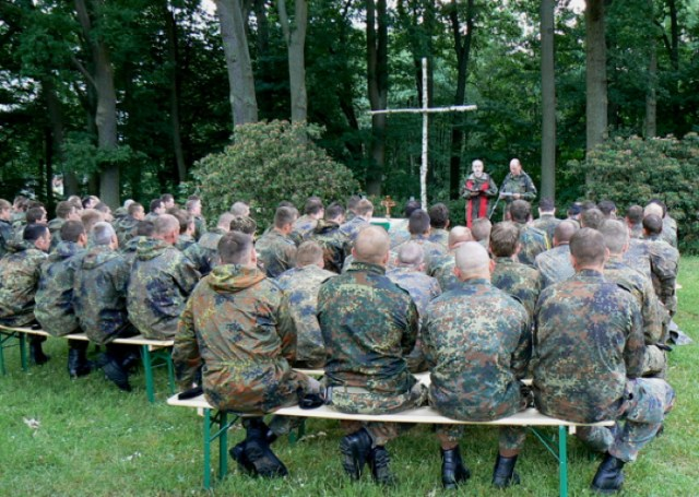 Feldgottesdienst auf dem Truppenübungsplatz Munster, Juni 2008.