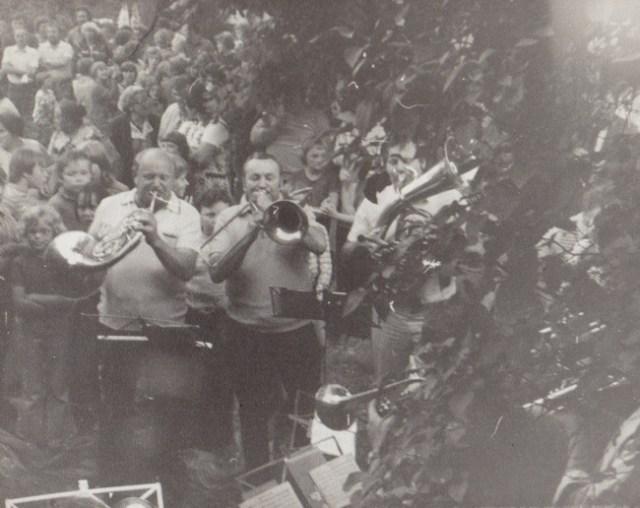 Zu Brot und Salz spielt die  Crocker Blaskapelle, 1980