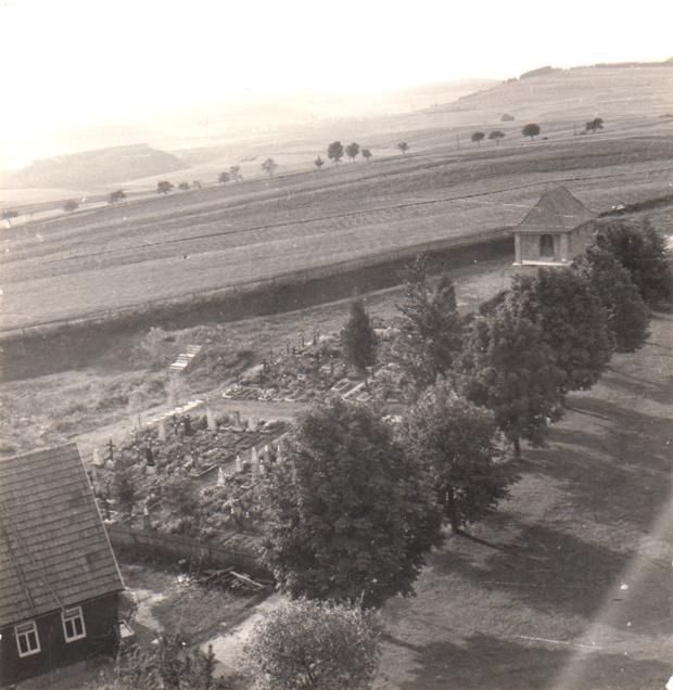 Friedhof Kirchgemeinde Crock-Oberwind vom Kirchturm aus gesehen..