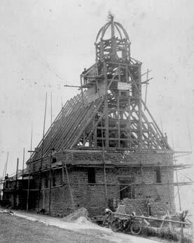 Bau der Kirche 1928