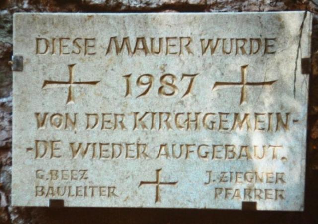 Kirchenmauer wird instand gesetzt 1987