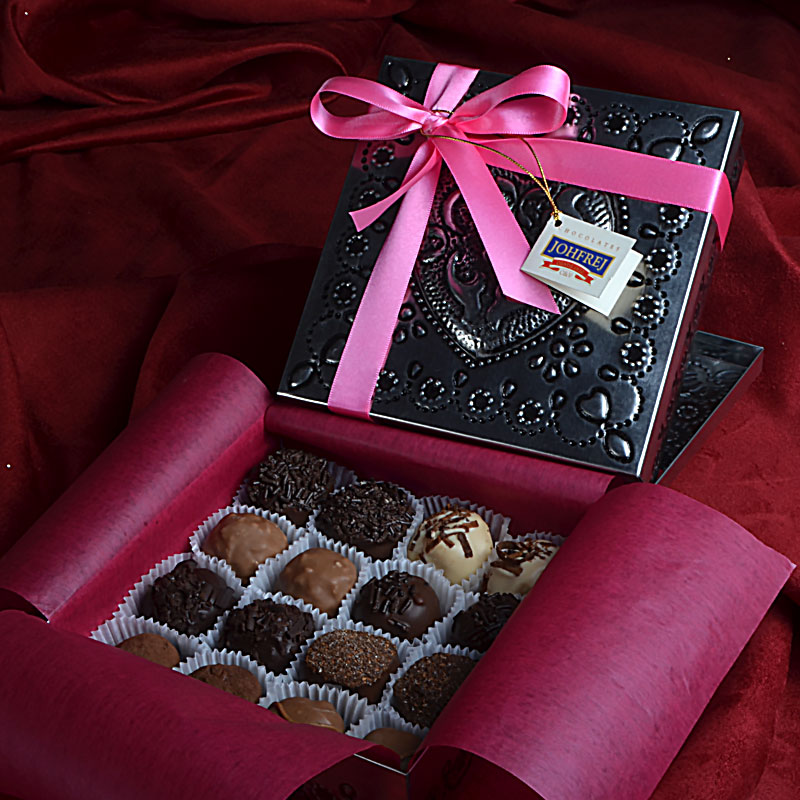 BOX OF CHOCOLATES FOR GIFT